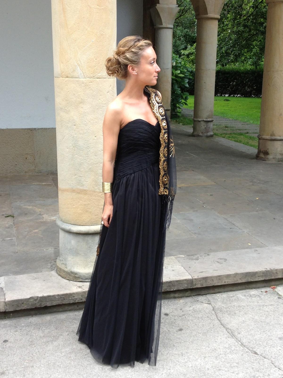 Look boda vestido negro largo