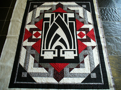 addicted to quilts art deco quilt. Black Bedroom Furniture Sets. Home Design Ideas
