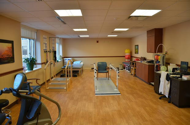 Gym Physical Therapy Office Design