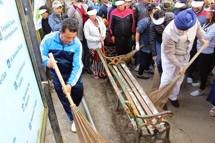 Gorkhaland Territorial Administration observed Swaach Bharat Abhiyan Bimal Gurung and SS Ahluwalia
