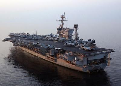 http://2.bp.blogspot.com/-Lo4pfqaRx5Y/T1R10Wx6wdI/AAAAAAAAHW0/XnCPwOof1Ew/s1600/USS_John_F_Kennedy_%28CV-67%29_port_stern_view_2004x640.jpg