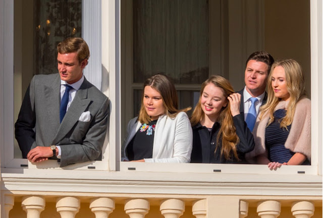 rince Albert and Princess Charlene presented Gabriella and Jacques to the balcony of the palace.