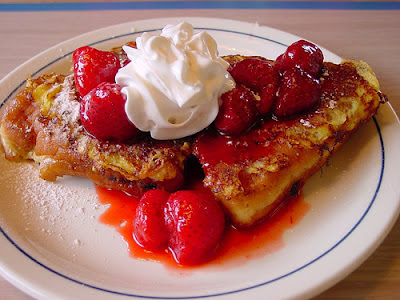 Six in the Suburbs: Strawberry Cheesecake Stuffed French Toast