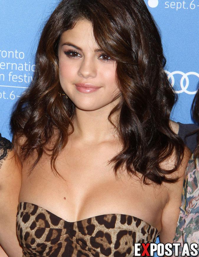 Selena Gomez: 'Spring Breakers' photocall em Toronto - 07 de Setembro de 2012