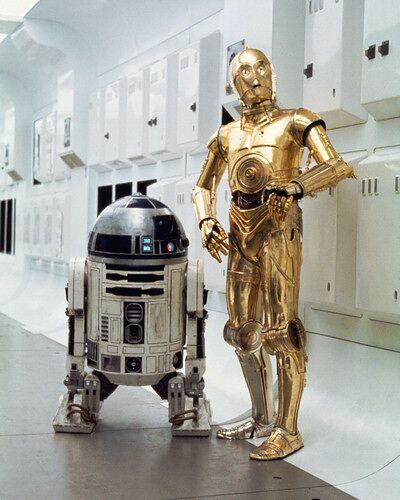 C3PO R2D2 Star Wars movieloversreviews.blogspot.com
