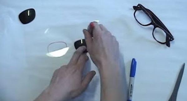 Langkah 2 : Membuat Kacamata 3 Dimensi