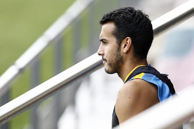 Pedro foi a Londres nesta quarta para passar por exames e assinar contrato (Foto: Quique Garcia/AFP)