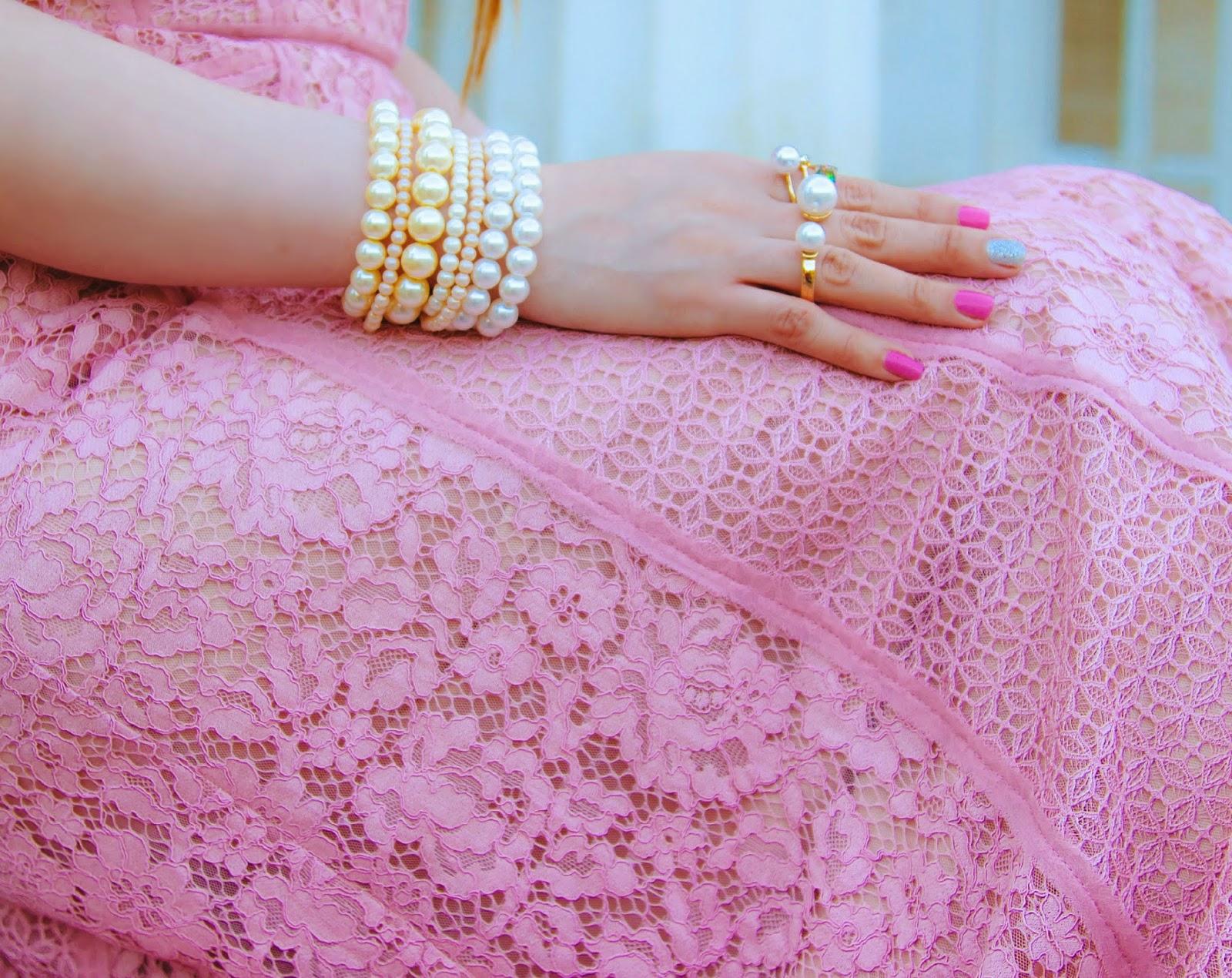 Pearl bracelets, pearl rings