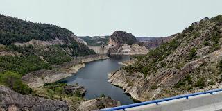Vista de la presa de Contreras