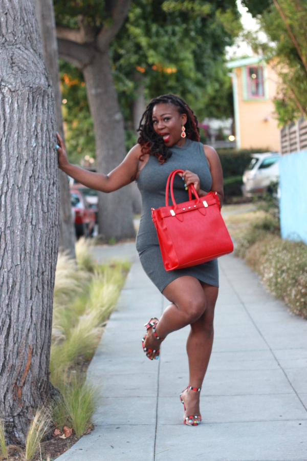 Justfab-Matthew-Handbag, Plus-Size-Bloggers, Fashion-Style-Bloggers, Black-Bloggers,  Melissa-Geddis, red-grey-color-combination