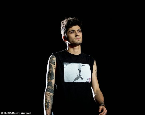 Zayn Malik's Vans 'Off The Wall' Sweeper t-shirt - 'Where We Are' World Tour, Bogota Columbia