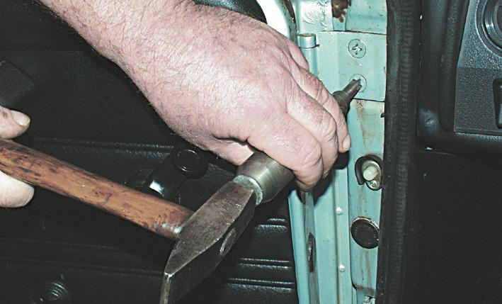 Как сделать дверь у машины ваз 2107 если он не закрывается