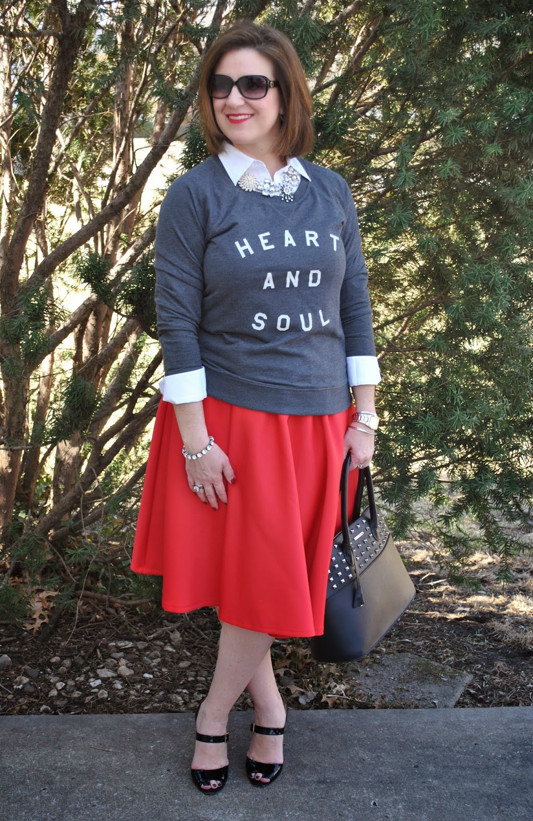 http://akstylemyway.blogspot.com/2014/03/sweatshirt-old-navy-similar-button-down.html