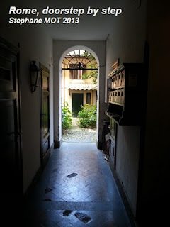 Rome, doorstep by step - Copyright Stephane MOT 20130524