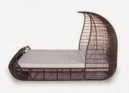 Voyage Canopy Bed