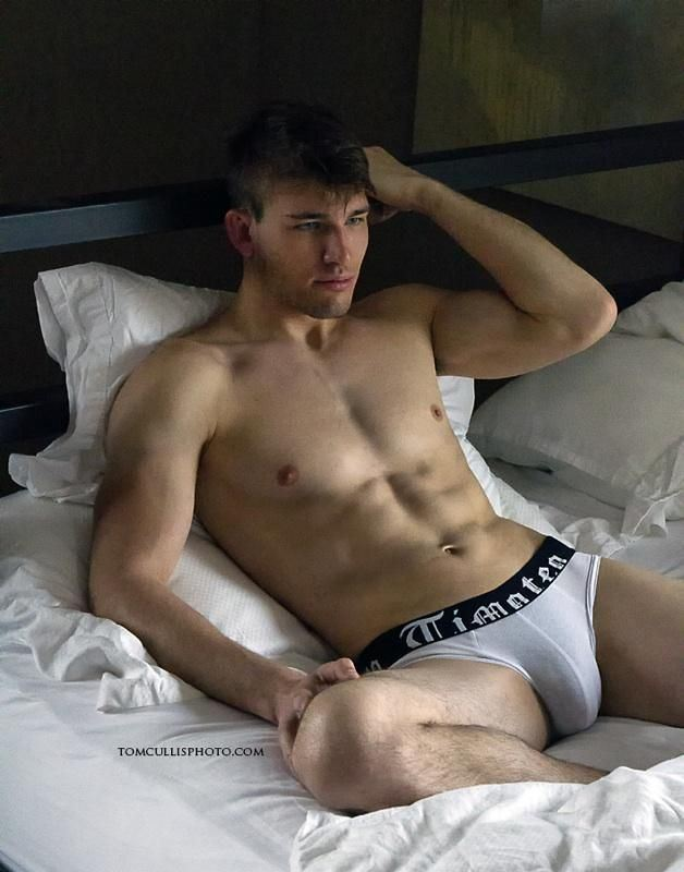 sexy guy nude models