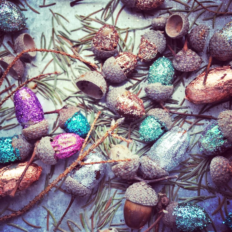 kleine Schwester ★ Glitzereicheln  acorn with glitter