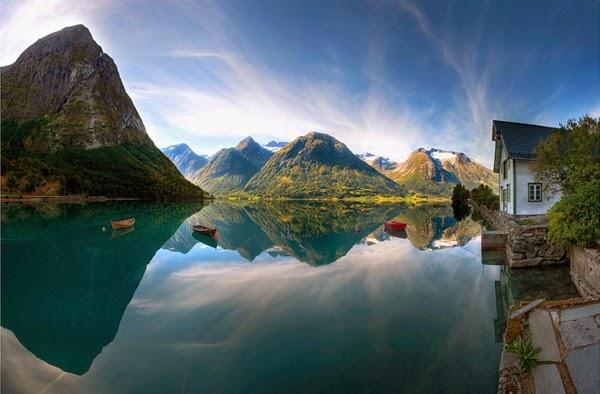 Gambar Pemandangan Danau Terindah