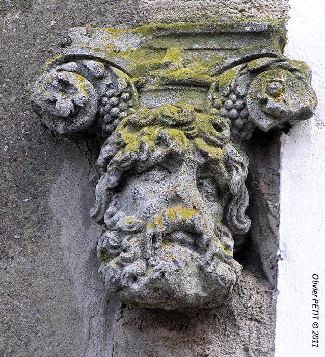 ORMES-ET-VILLE (54) - La maison des Têtes