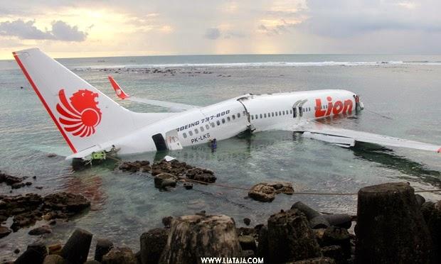 Foto Pesawat Hancur | liataja.com
