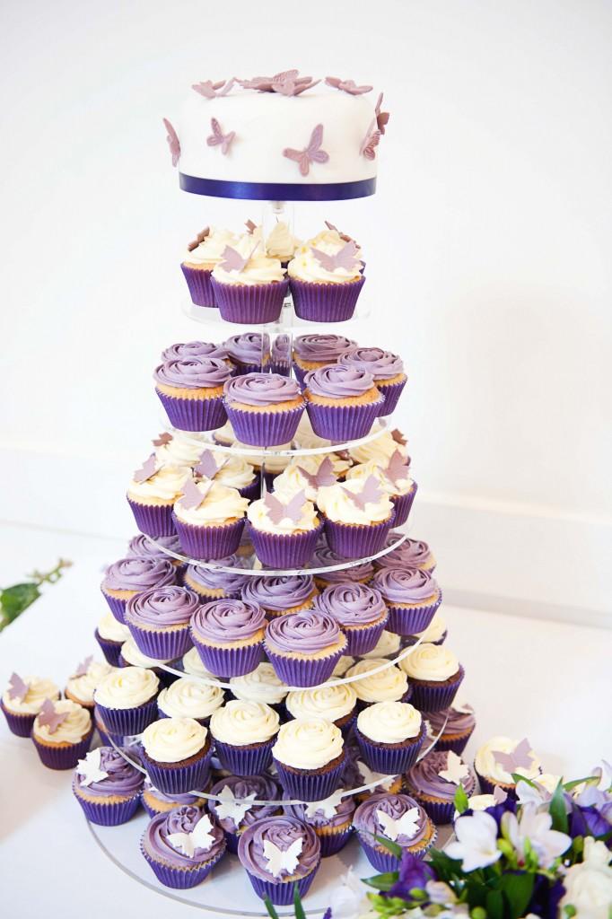 Artis Wedding Cake : Cupcake Wedding Cakes Purple Butterflies Foto Artis ...