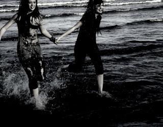 La amistad es como el mar se ve el principio pero no el final