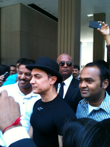 Bollytter: Aamir Khan On the Sets Of Dhoom 3 Aamir Khan In Dhoom 3 Sets