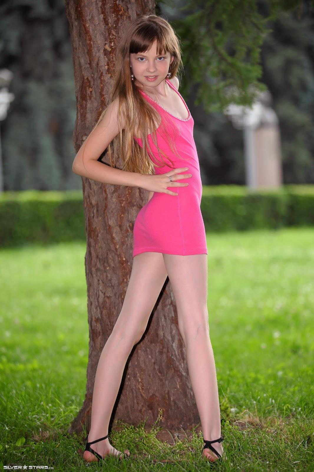Bella Silver Stars Models