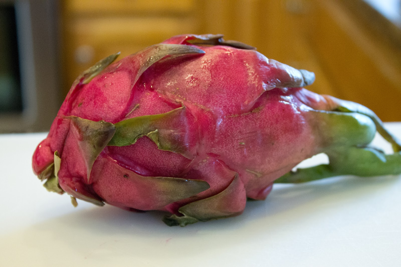 how to prepare dragon fruit to eat