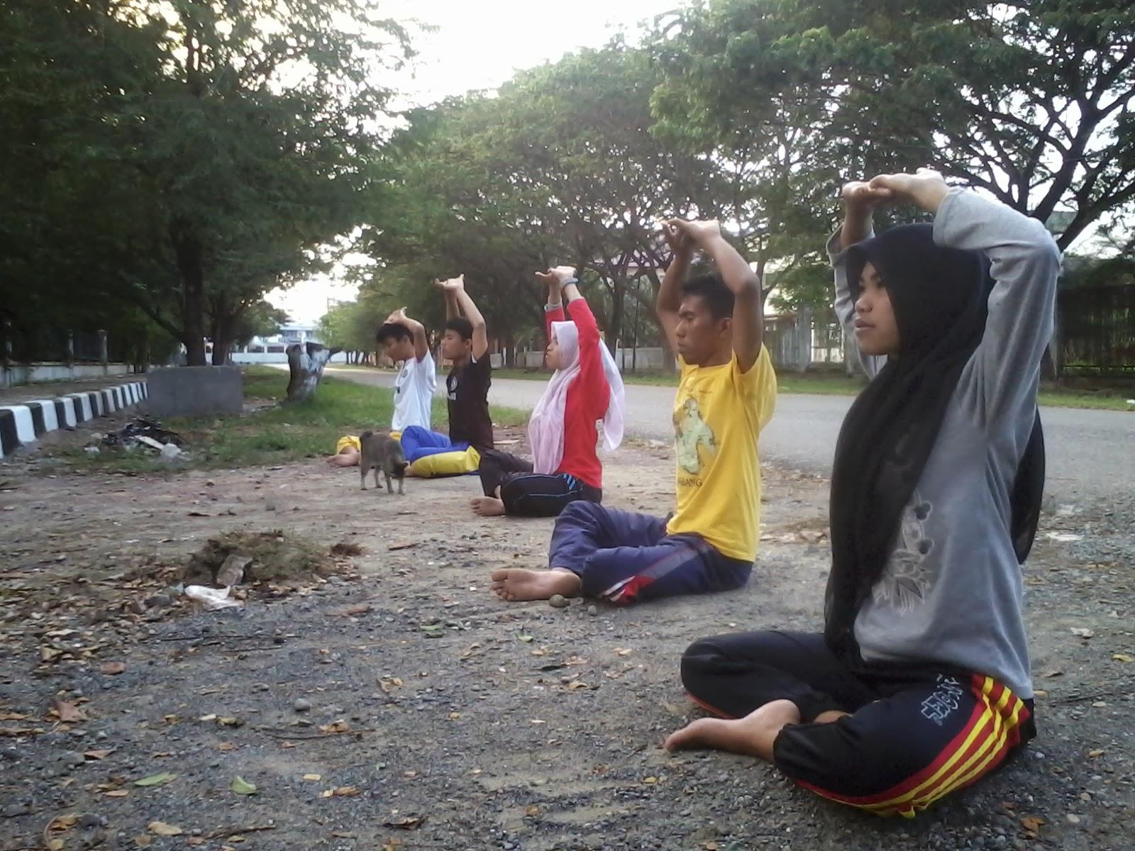 Latihan elementer bersama benih #12 Teater Rongsokan Aceh