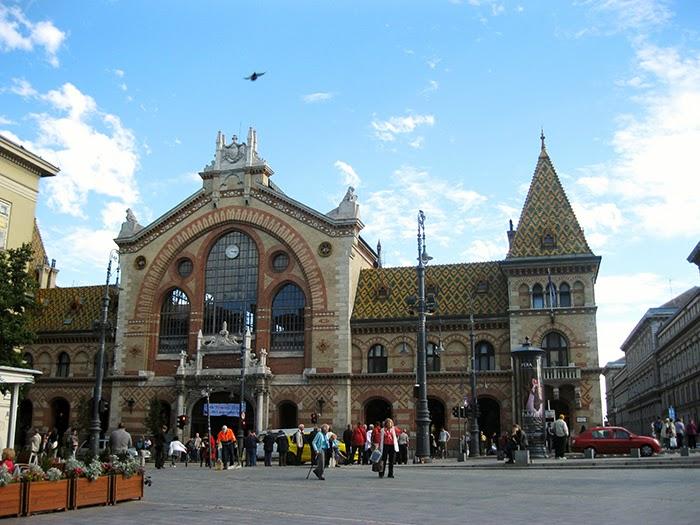 Budapest central market hall gustav eiffel Boedapest centrale markt mozaiek mosaic