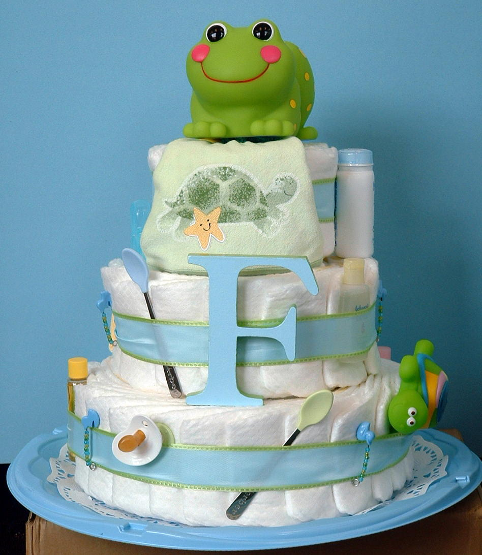 found this other diaper cake online and I like the froggie idea