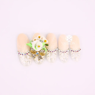 Pretty Nails from Sara NailAcademy
