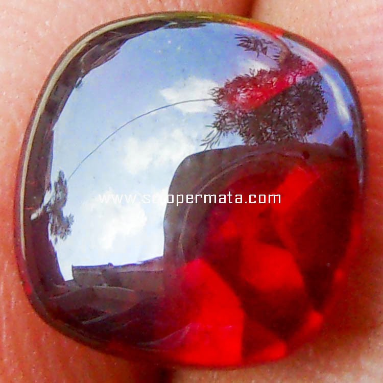 Batu Permata Pyrope Garnet