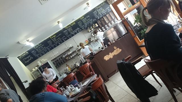 Interiér kavárny Kafec