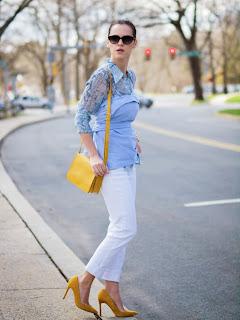 2 camisas en una mirada, Betsey Johnson, colores agridulces, Joe fresco, Shoemint, impresión de piel de serpiente, primavera, estilo de la calle, jeans blancos, amarillo, bebé azul, CAMISETA DE LA CAMISA, tomar dos,