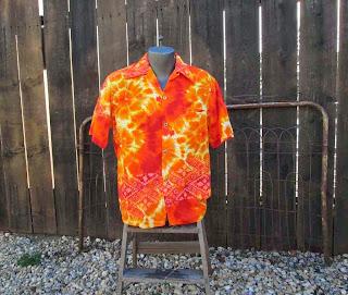 vintage 60s Hibiscus Hawaiian Tiki Shirt