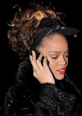 Rihanna rock saç model, Rihanna kabarık saç modeli