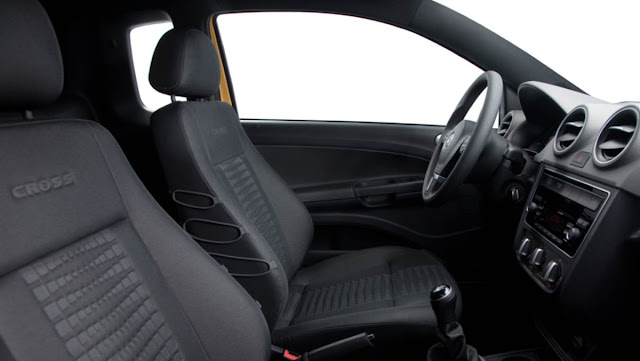 Nova Volkswagen Saveiro 2014 Cross - Interior