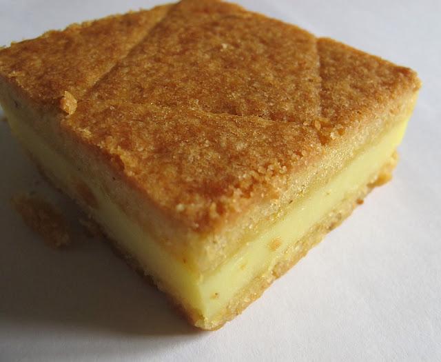 Gâteau basque à la crème pâtissière - Pâtisserie Adam