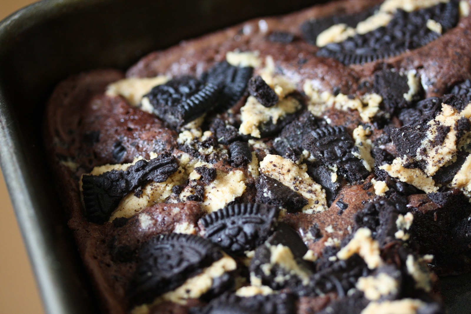 Eat My Cupcake: fudge brownies with peanut butter oreos