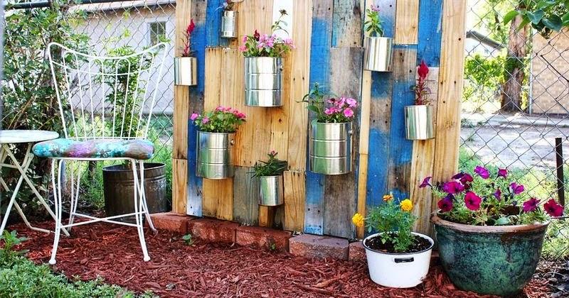 Ma maison au naturel une palette pour un jardin vertical - Une maison un jardin berthenay versailles ...