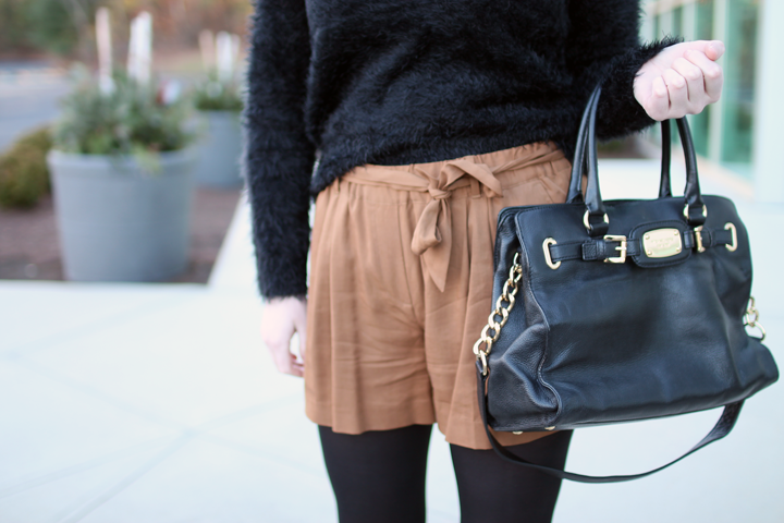 mix it mondays, shorts in winter, heels, nine west ugogirl heels, black and burnt acorn, philosophy textured sweater