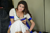 Actress Harini Hot Photo Shoot Gallery-thumbnail-2