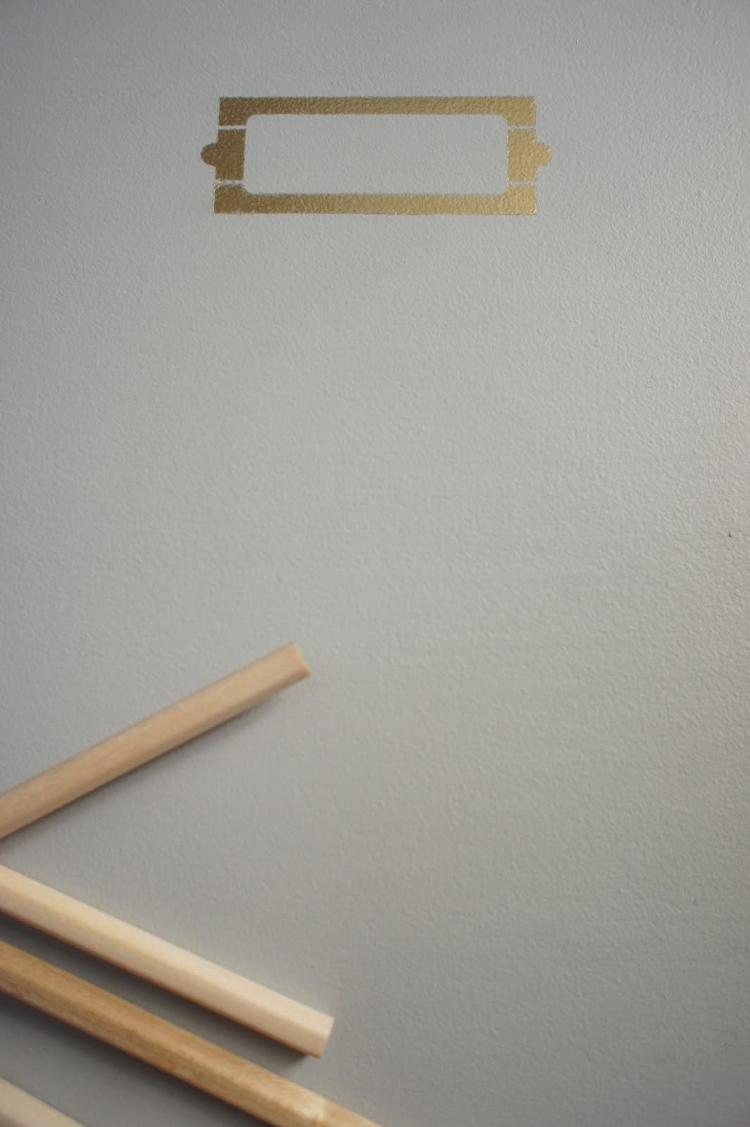 atelier petit toit bureau d 39 colier et sa chaise baumann. Black Bedroom Furniture Sets. Home Design Ideas