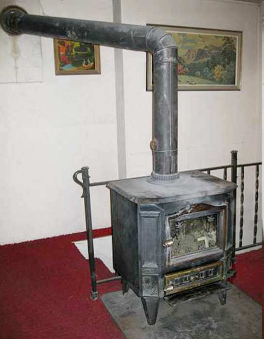 Stoves, Flue Pipes and Cleaning . - Sustainable Energy Author Ireland (SEAI): Stoves, Flue Pipes And