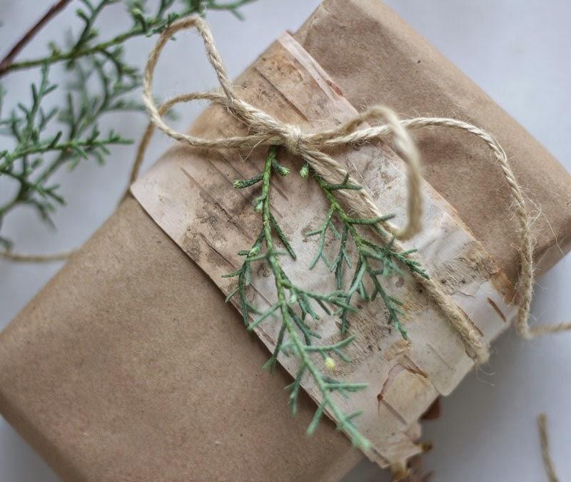 simple, natural repurposed DIY gift wrapping