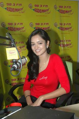 shanvi at 98.3 fm station glamour  images