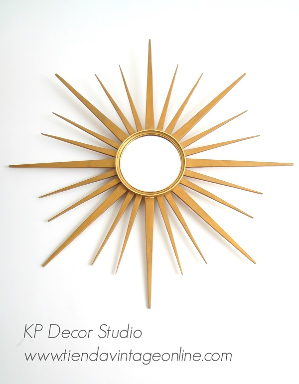 Espejos vintage tipo sol con puas doradas de madera