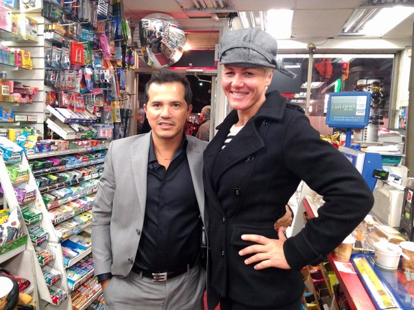 John Leguizamo y Olga Kurkulina en Kick-Ass 2
